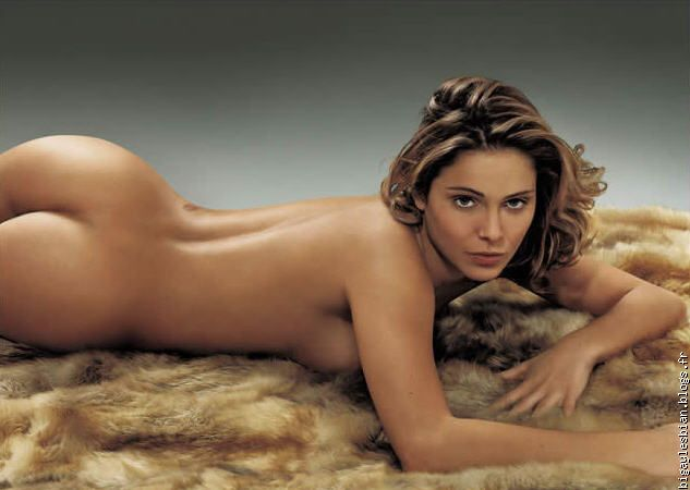 claramorgane-naked-girls-sticking-in-tampons-porn